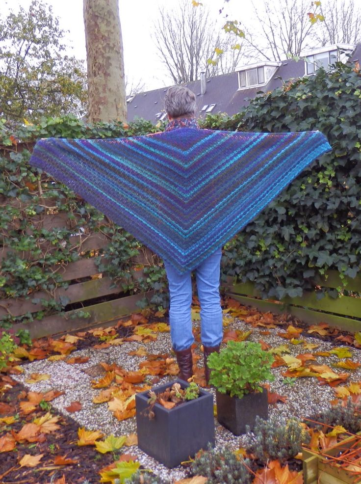 Omslagdoek. Elisa Shawl - http://www.ravelry.com/patterns/library/elise-shawl
