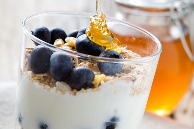 Blueberry Flaxseed Yogurt - Approx. 300 calories. Awesome breakfast option! #UWeightLoss