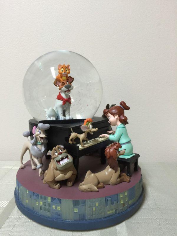 Rare Disney Oliver and Company Snow Globe Figure