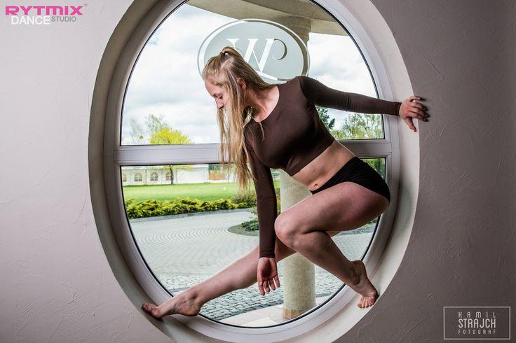 #dzieńtancerza #danceday #dance #taniec #like4like #window #instagood #instadaily #dancelife #kamilstrajh #fotografia #mikorzyn #wityng