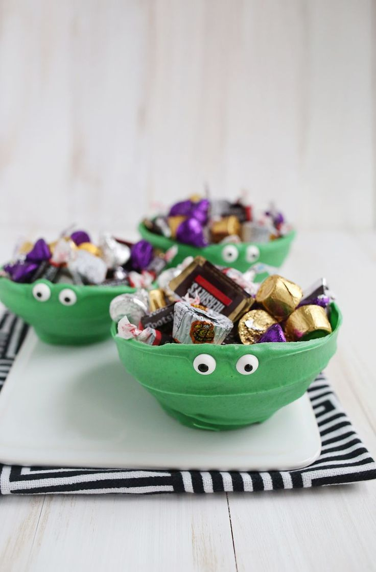 Try This: Chocolate (Monster) Bowls