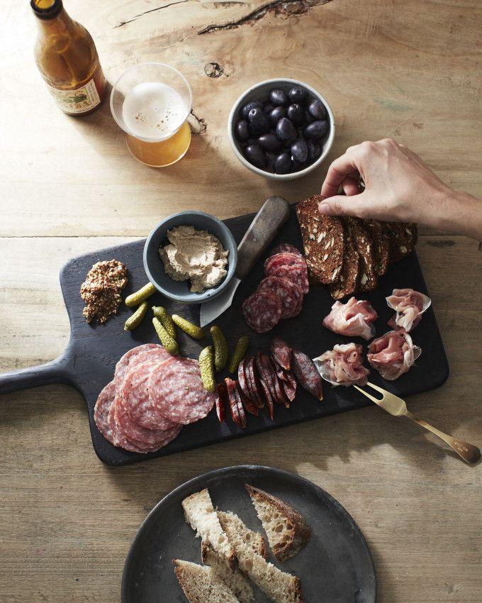 Мясная тарелка. meat platter.