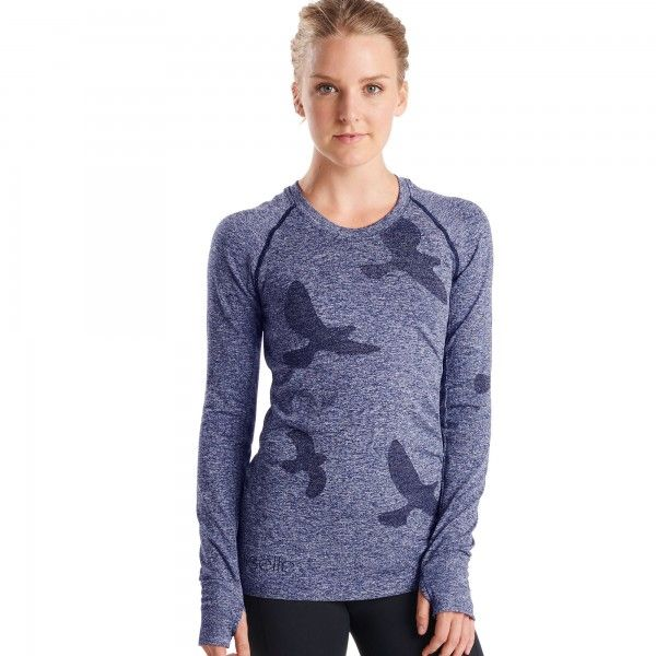 The Flyte Long Sleeve running top is the signature seamless running top from Oiselle. Antimicrobial and wicking, with thumbholes for total coverage.