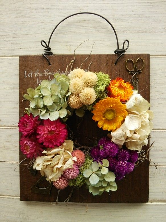 kuku madre *ククマドレ*ご覧いただきありがとうございます。。ハンドメイドの雑貨、壁掛け紫陽花リース パステルです。木の板をアンティーク風に加工して...|ハンドメイド、手作り、手仕事品の通販・販売・購入ならCreema。