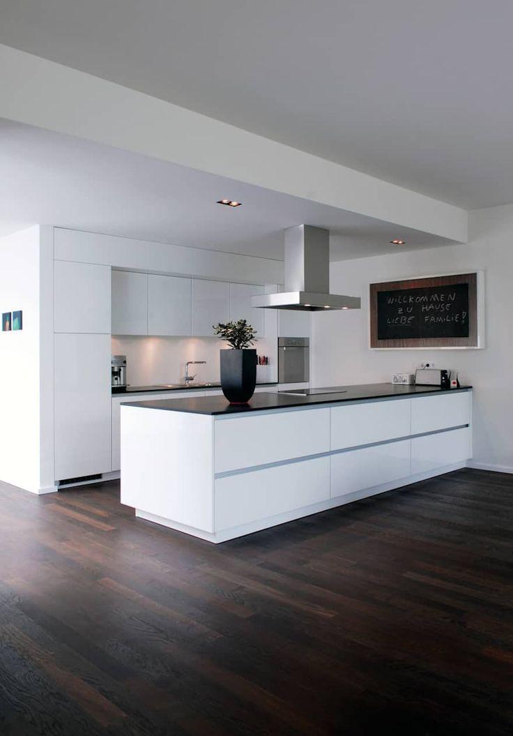 Home Decorating Ideas Kitchen Wohnhaus Bonn moderne Küche von - küchenschrank hochglanz weiß