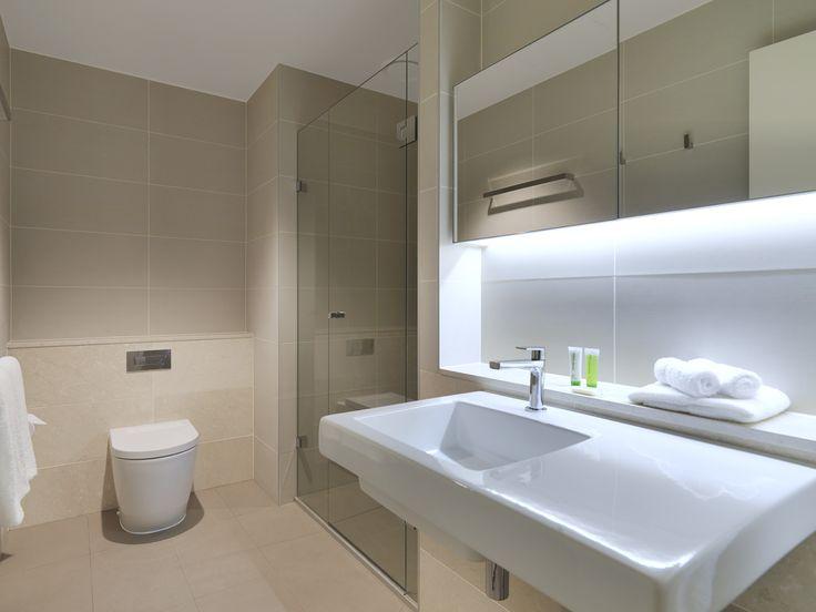 Bathroom, 1 Bedroom Deluxe | Wyndham Hotel Melbourne
