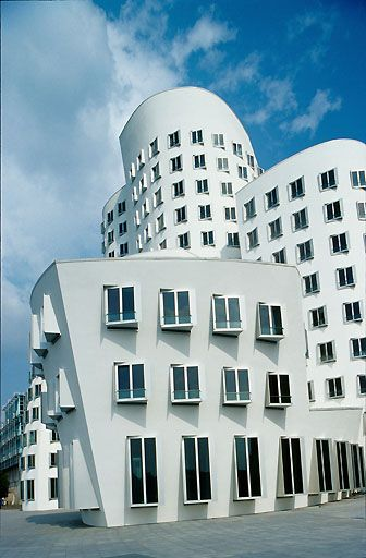 Frank Gehry Dusseldorf  #architecture #Frank #Gehry Pinned by www.modlar.com