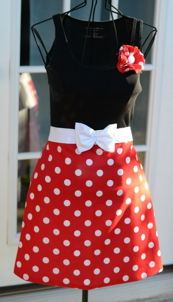 So, this is supposed to be an apron (just the red part), but I think making this as a dress would be a great Disney trip outfit, yes? :)