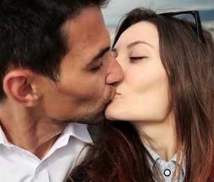 Small Discoveries #12 Ποιο είναι το καλύτερο spot για μία ρομαντική selfie; (http://gynaikaeveryday.gr/?page=calendar&day=2014-11-20)