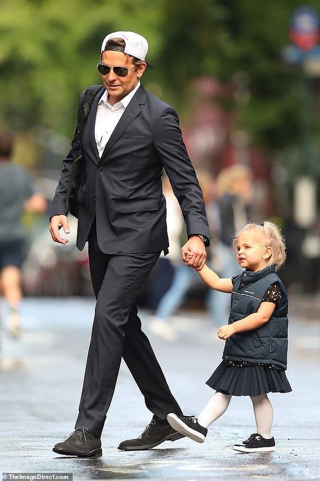 Bradley Cooper twins with Lea De Seine, two, for black tie event | Childrens fashion, Bradley cooper, Black tie event
