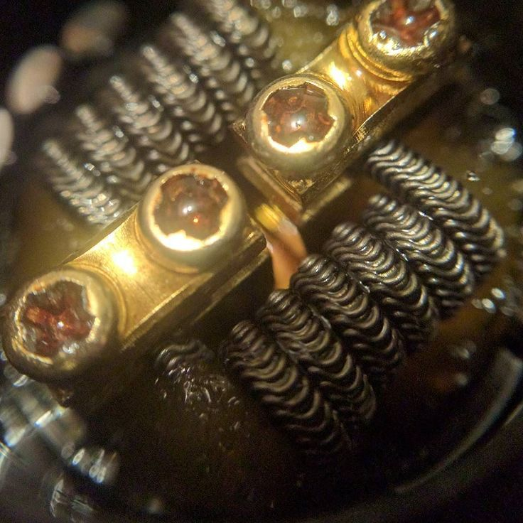 #Alien that's not really an #alien from #geekvape.  Still vapes nicely though! (Forgive the nkt amazing clarity of the macro lense its a #mobile #macro #lense for my #nexus) Still think they're bloody good for 6!!