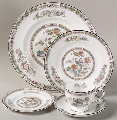 Kutani Crane by Wedgwood--classic pattern  sc 1 st  Pinterest & 67 best Dinnerware / Dishes images on Pinterest | Dish sets ...