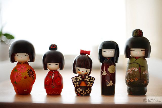 5 Kokeshi Dolls