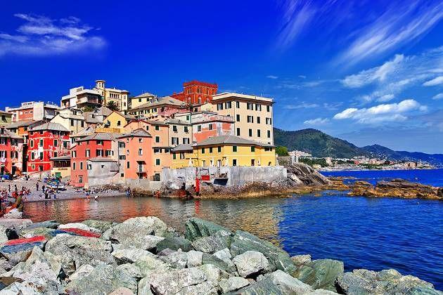 Észak–Olaszország egyik legszembetűnőbb jellegzetessége a földrajzi sokszínűsége, hiszen a táj Alpesi hegyekkel és a gleccsertavakkal valamint az Adria és az olasz Riviéra napsütötte partvidékével is büszkélkedik. A régió városai és tájegységei kulináris élvezetekre és kulturális értékek felfedezésére nyújtanak lehetőséget, így Leonardo de Vinci mesterművét Az utolsó vacsora festményt is megtekintheti az idelátogató.