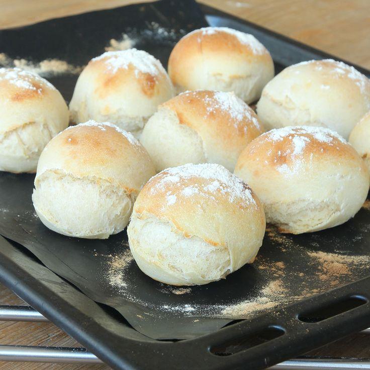 Frys in degbullar och ta fram dem och grädda när du vill ha nybakat bröd!