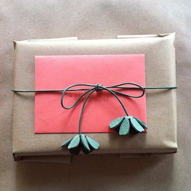 love the flowers.. ||| #wrapping #packaging. Nx
