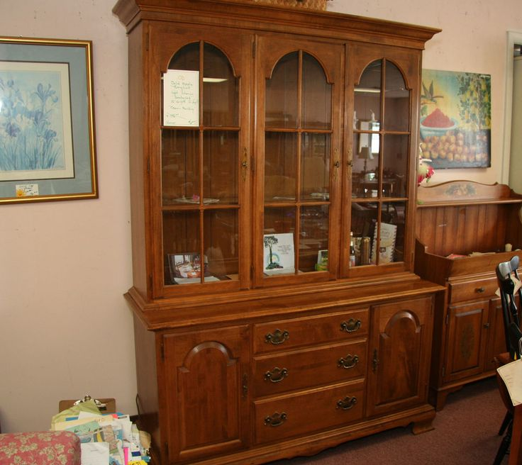 Classic ETHAN ALLEN Solid Maple Traditional Breakfront Cabinet Lighted  Interior #EthanAllen #Colonial