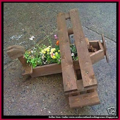 Dollar Store Crafter: Turn A Pallet Into An Airplane Planter