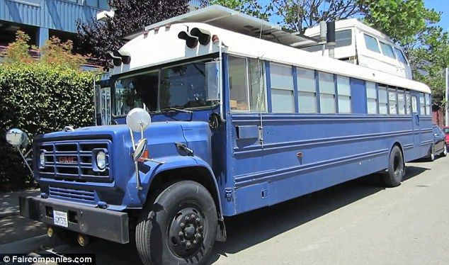 Couple converts a school bus into a home and lives for about $100 a month!