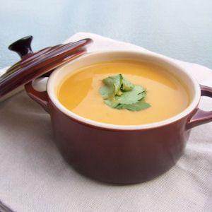 Légèreté & Gourmandises: Veloute de courge et patate douce au curry (4 PP)