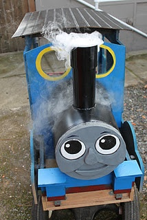 Thomas the Tank Engine wagon for little boy conductor costume