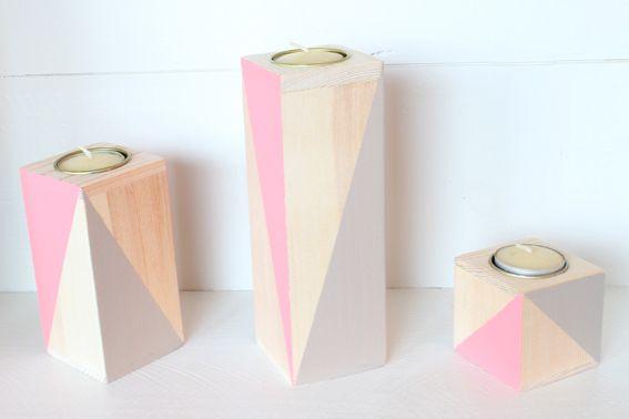 3er Set Teelichthalter aus Holz in Blockform. Tolle Tischdeko im schlichten skandinavischen Stil. Farbe: grau/pink -ohne Kerzen- *Da es sich be