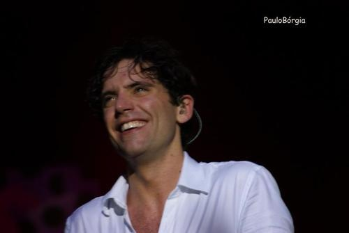 You gotta love Mika's smile! @ Coliseu dos Recreios on November 22, 2012 PORTUGAL