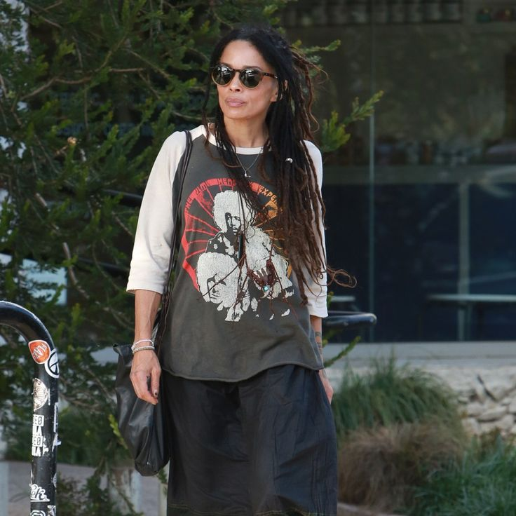 At 49, Lisa Bonet Has This Whole Earth-Mother Style Thing Down
