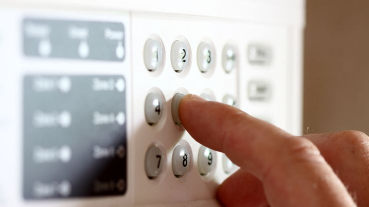 Beneficiati de un spor de siguranta optand pentru un sistem alarma wireless GSM  In societatea zilelor noastre nu mai beneficiem de un nivel asa de ridicat de siguranta ca odinioara. Astfel ca oamenii apeleaza la tot felul de solutii si inovatii tehnologice care mai de care mai ingenioase si in masura sa isi sporeasca nivelul de siguranta al familiei sau caminului lor. O...  http://mobilacomanda.org/beneficiati-de-un-spor-de-siguranta-optand-pentru-un-sistem-alarma-wireless