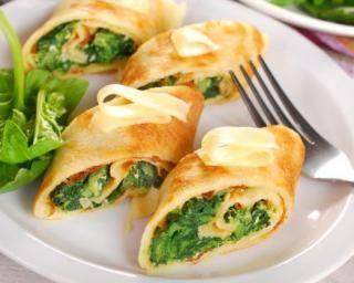 Roulés légers feta et épinards en tortilla de maïs : http://www.fourchette-et-bikini.fr/recettes/recettes-minceur/roules-legers-feta-et-epinards-en-tortilla-de-mais.html