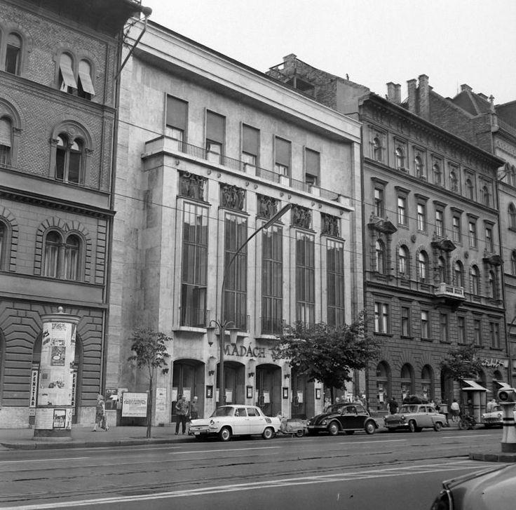 1971, Lenin (Erzsébet) körút, a Madách színház
