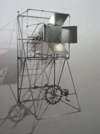 Ren ach fermer la fen tre kinetic wire sculpture for Fermer la fenetre