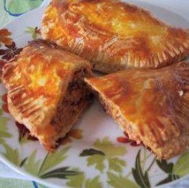 Egy finom Húsos pite ebédre vagy vacsorára? Húsos pite Receptek a Mindmegette.hu Recept gyűjteményében!