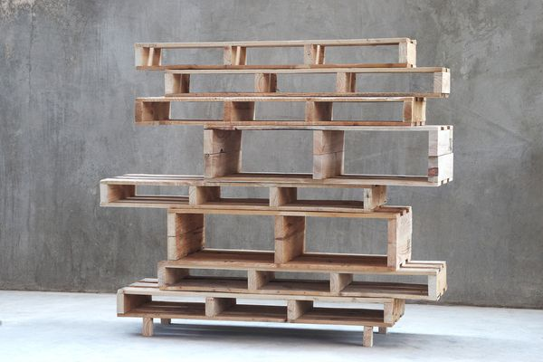 pallet-furniture-project6...pallet curio or bookcase...sections of pallets...stacked  tacked.