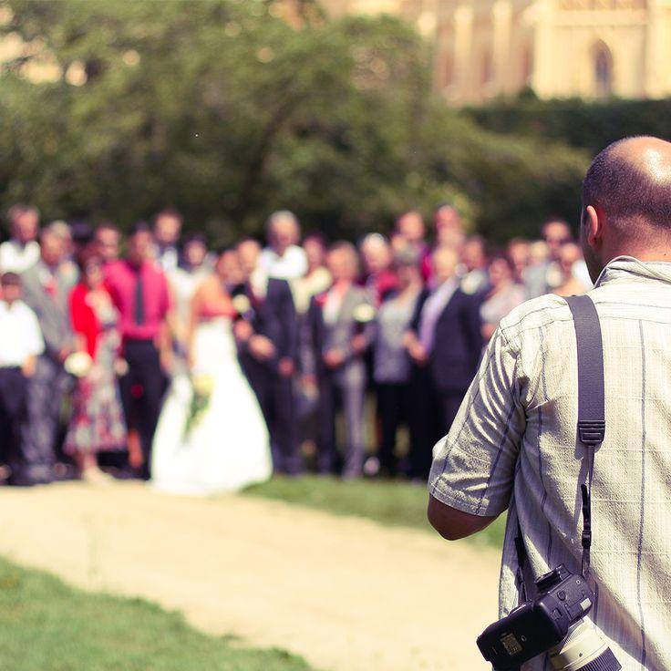 Düğün fotoğrafçılarından en iyi fiyat teklifini alın, düğününüzün unutulamayacak anları profesyonel fotoğrafçılar tarafından kaydedilsin.