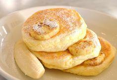 「世界一の朝食」で知られるオーストラリア発のレストラン「bills」。 2008年に日本に初上陸してから未だ覚めやらぬ人気を誇る「リコッタパンケーキ」はビルズの代名詞。日夜2時間弱待ちというお店の味を自宅で再現するレシピを公開します!