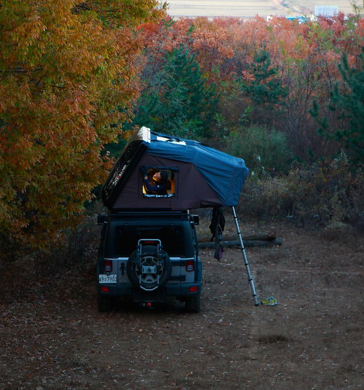 iKamper presents the expandable hard shell roof top tents, Skycamp, Hardtop One and Road Trip