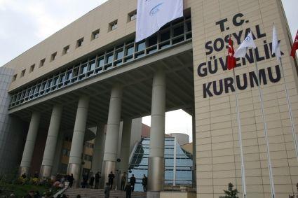 10 ildeki 21 hastane, Çalışma ve Sosyal Güvenlik Bakanı Soylu'nun talimatıyla SGK kapsamından çıkarıldı.