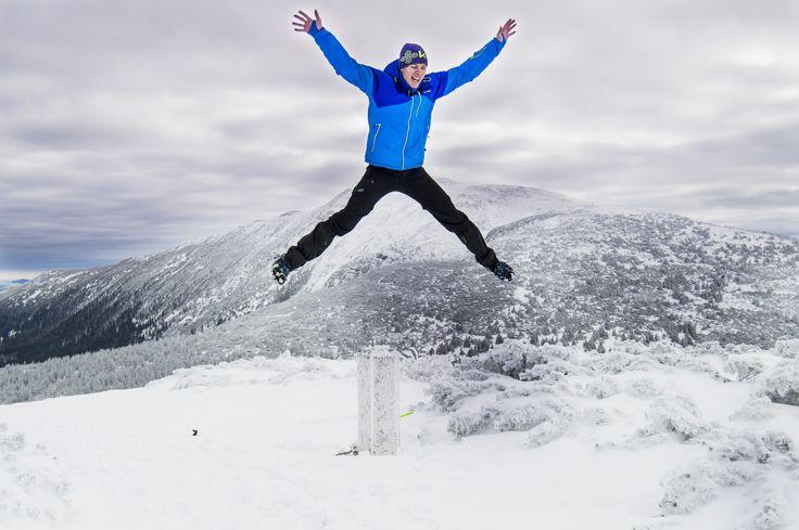 Everyone takes mountain climbing different.. Kilpi.. Testedbynorth ;) #testedbynorth #Kilpi #Kilpiteam #Poland #Fun #Winter