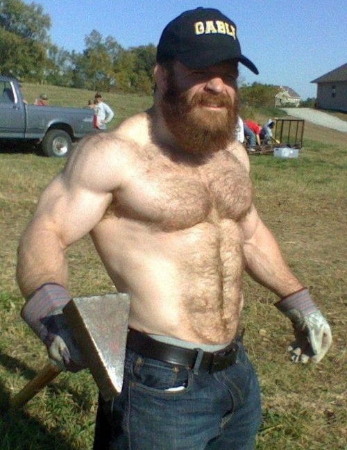 Is this a pic of a somewhat younger Lucas Parker? WOOF! http://www.beefpiebear.com/beefy-bear-blog/files/lucas-parker-gay.html