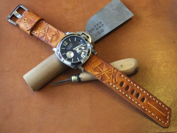Handmade leather watch strap and buckle - tan