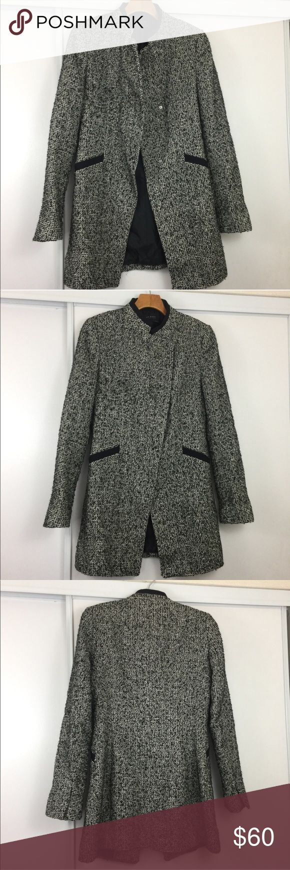 """Zara Winter Coat ❣️ Excellent condition. Size medium. Pit to pit 17.5"""". Length 30.5"""". No trades ❌❌ No modeling Zara Jackets & Coats"""