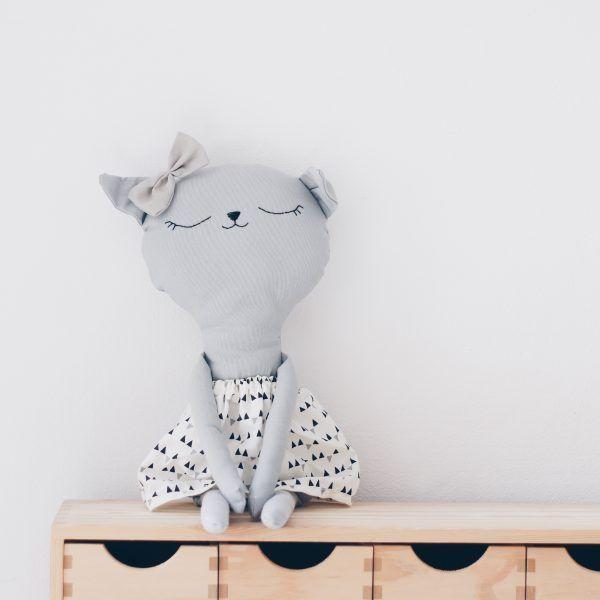 benita-conejita-lelelerele-handmade-hecho a mano- nurseryroom-kidsdeco-decoración-diseño-mpeluches-infantil-regalo original