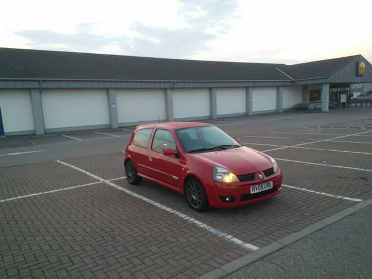 Clio Trophy Clean-Up! - via www.starcardetailing.com