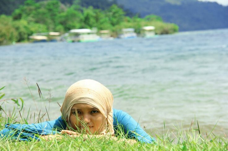Hijab and Lake