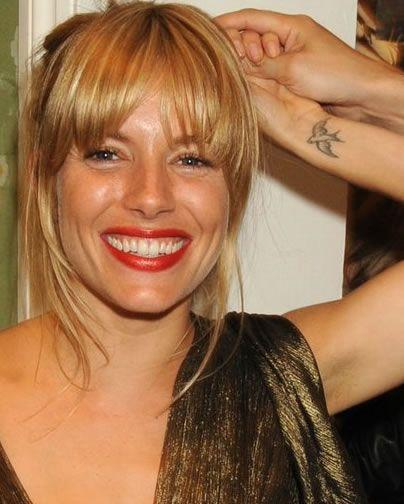 swallow tattoo … just like the ones I have: Tattoo Sienna, Sienna Miller, Tattoo Bird, Tattoos Secret, Swallow Tattoos, Tattoos Xxs
