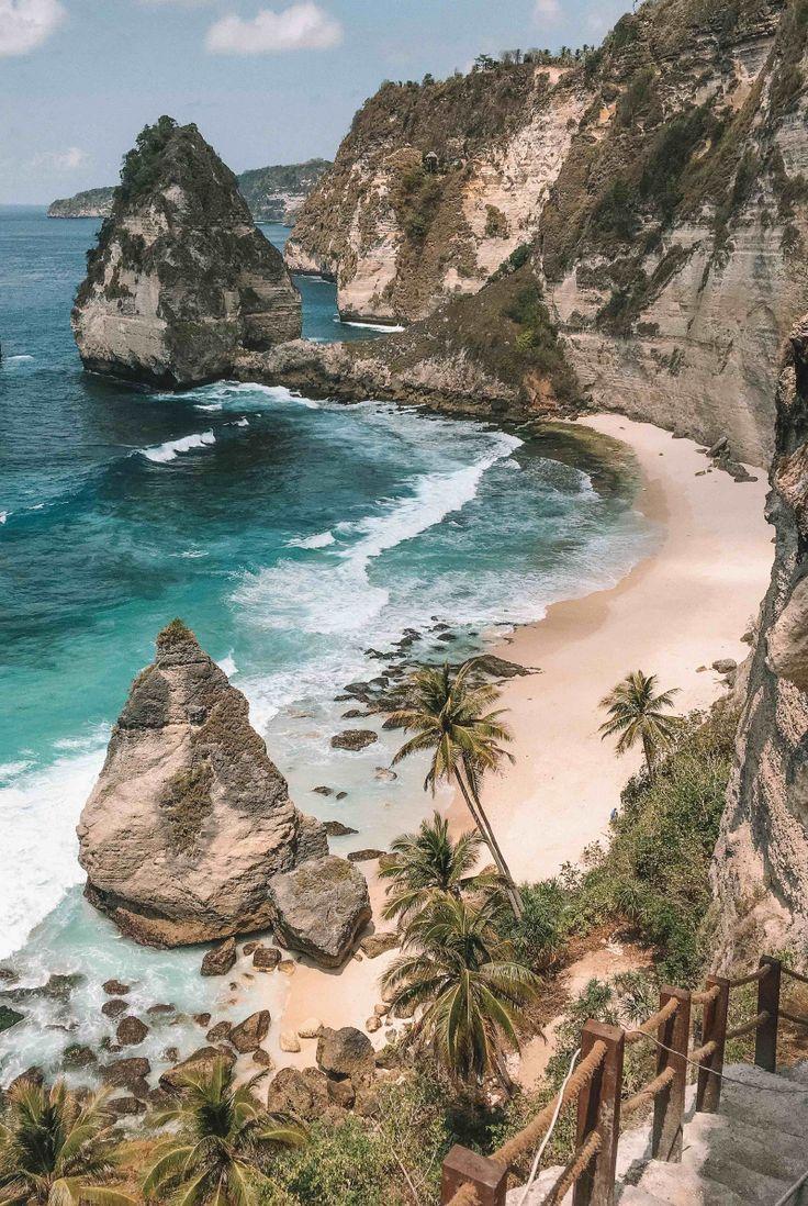 Diamond Beach Nusa Penida – Bali Cheapest Tours