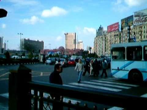 エジプトの命がけの交通事情 - YouTube