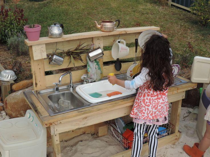 Best 25+ Outdoor Play Kitchen Ideas On Pinterest | Mud Pie Kitchen, Kids  Outdoor Play And Mud Kitchen