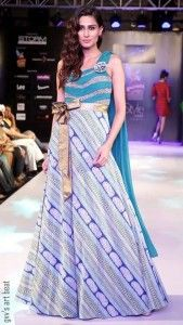 Classy and Cozy Gown #MumtazKhanDesignerColletion #GownsforGirls #EveningGown